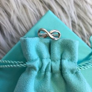 Tiffany & Co Infinity Ring Size 5